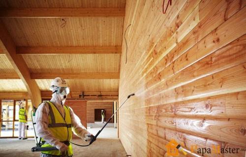 Каким образом надёжно защитить древесину во время строительства?