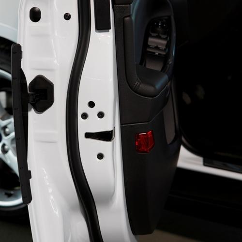 Причины блокировки дверей автомобиля
